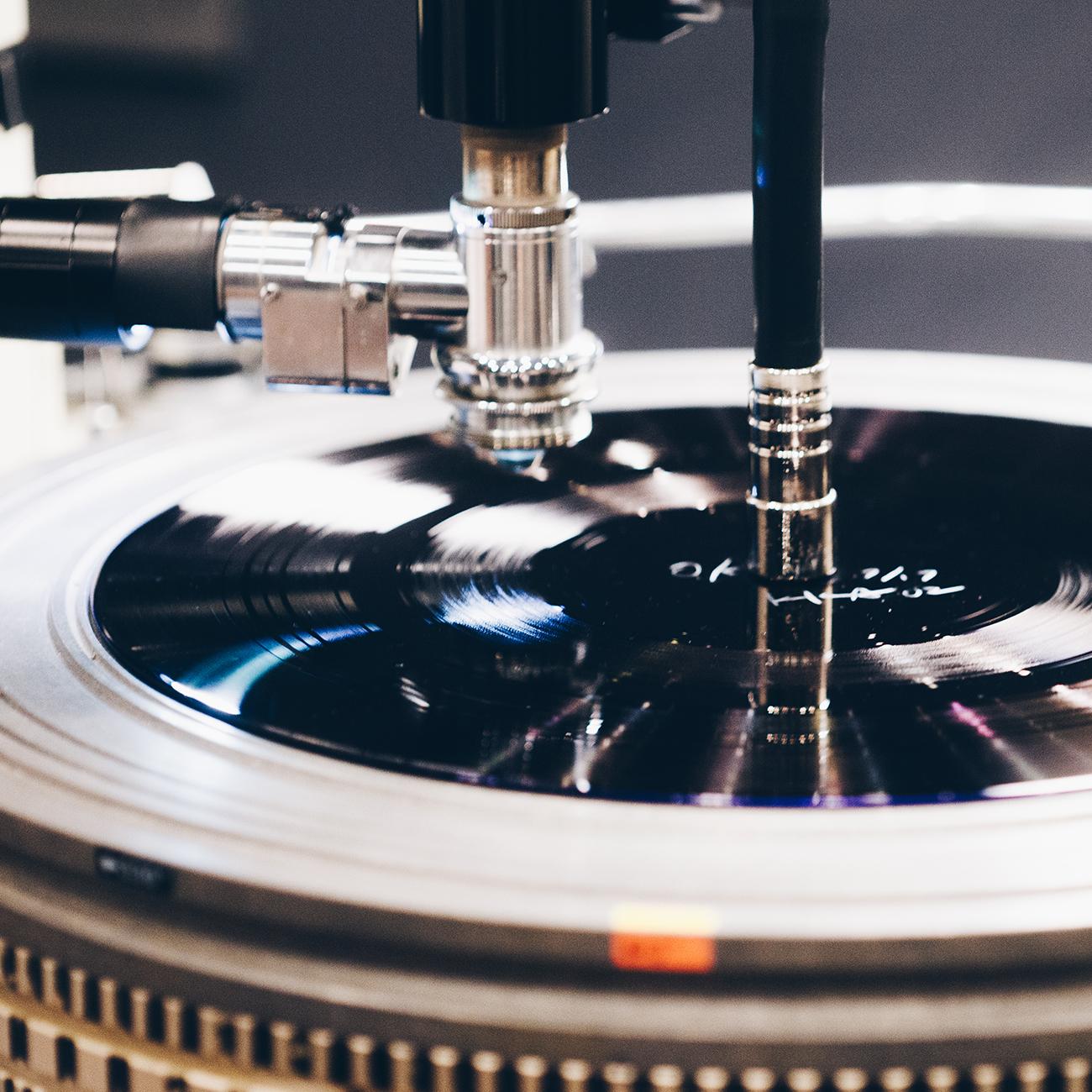 人はなぜレコードに魅了されるのか