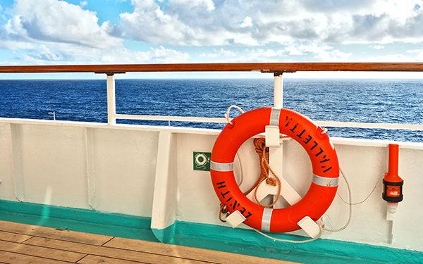 洋上で特別な時間を