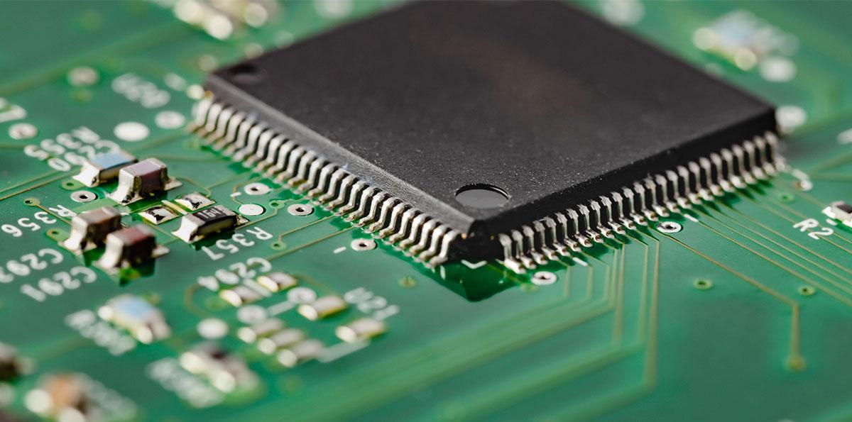 IT Insight 世界的な「半導体不足」 その原因と今後の展開を考える