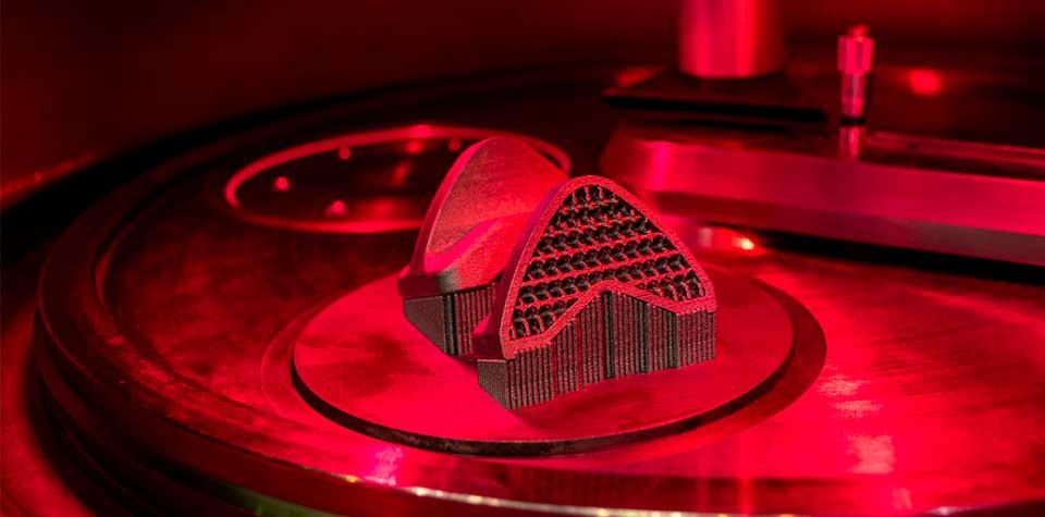 3Dプリンタ Insight 金属3Dプリンタが切り拓くものづくりの未来