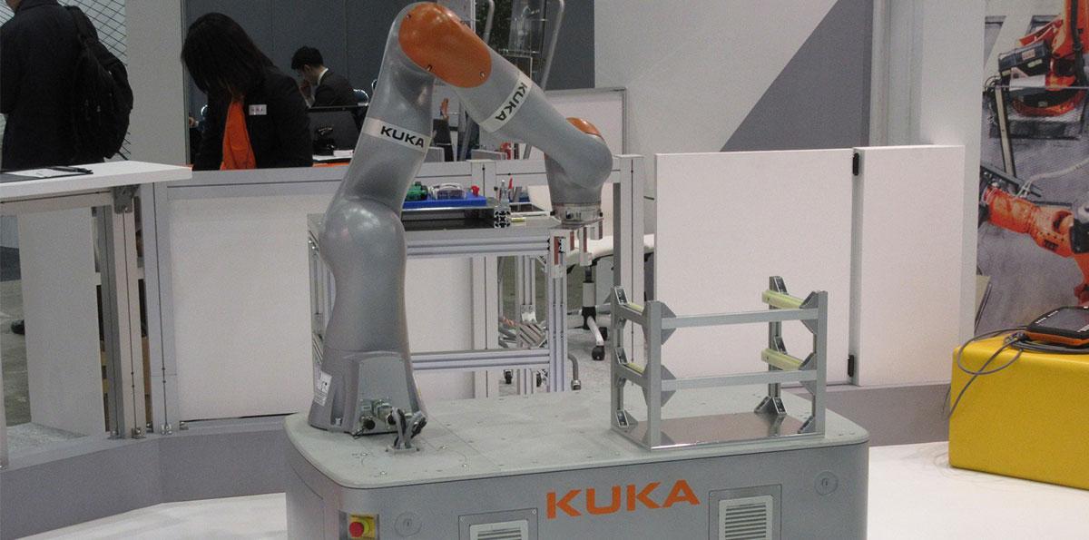 ロボット Insight 中国で存在感が増すKUKAのロボット