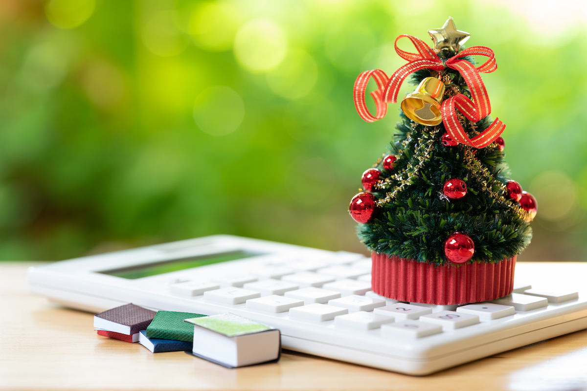 Help Your Clients Make Wise Holiday Purchasing Decisions