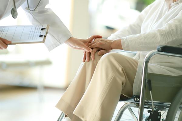 介護現場の人課題にICT化の取り組みで安心できる施設づくり